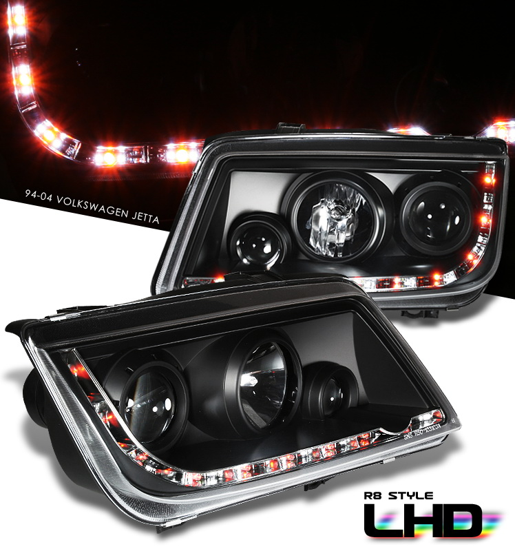 Volkswagen Jetta  1999-2005 Projector Headlights - Black Housing Clear Lens