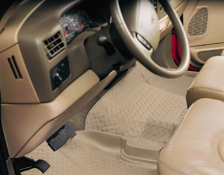 Ford Super Duty 2008-2010 F-450,  Husky Weatherbeater Series Center Hump Floor Liner - Tan
