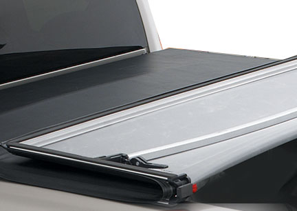 Gmc Sierra 2007-2010 Long Box 8ft (new Body Style) Lund Genesis Tri-Fold Tonneau Cover