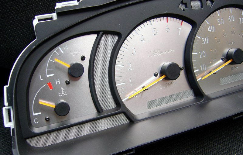 Toyota Tundra 2000-2004  Mph, 7000 Tach, Auto Stainless Steel Gauge Face